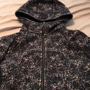 Euc/guc lululemon scuba hoodie size 4